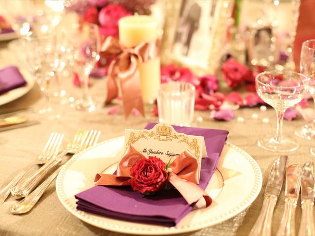 ネームカードに手書きのメッセージや小さな花を添えて心からのWelcomeを伝えてみては・・・?