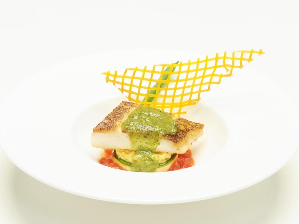 「プロヴァンスの風」と名付けられた魚料理